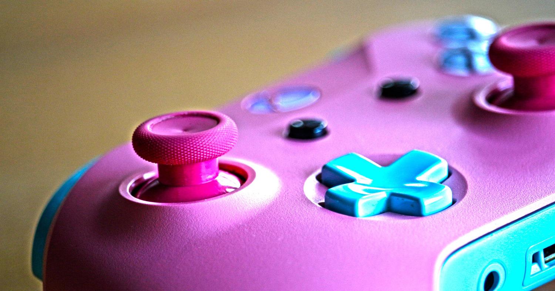розовый джойстик