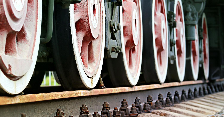 колёса локомотива