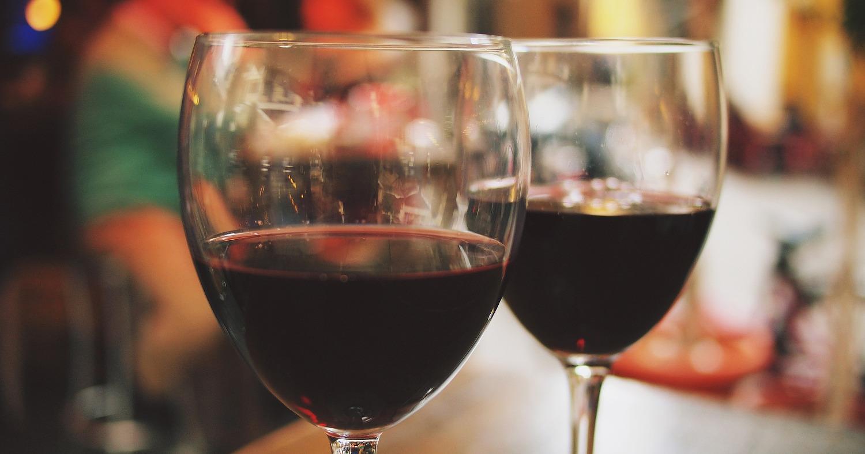 Вино, бокалы, алкоголь