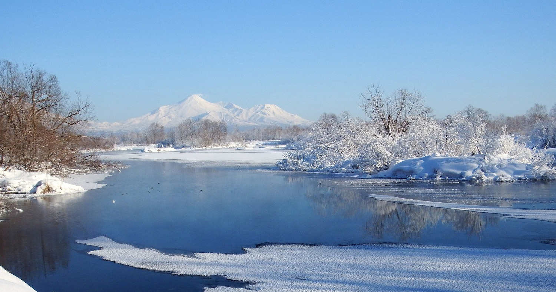 Река, лёд