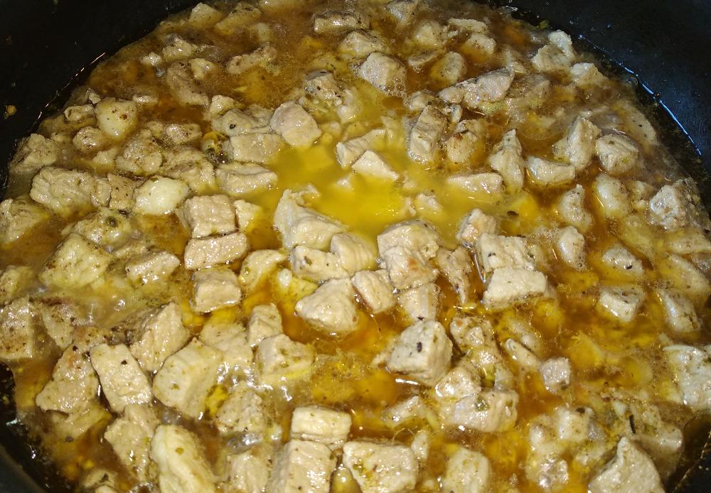 Пошаговый рецепт тушёной свинины с апельсином